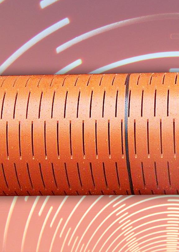 Strojní štěrbinová perforace plastových trub